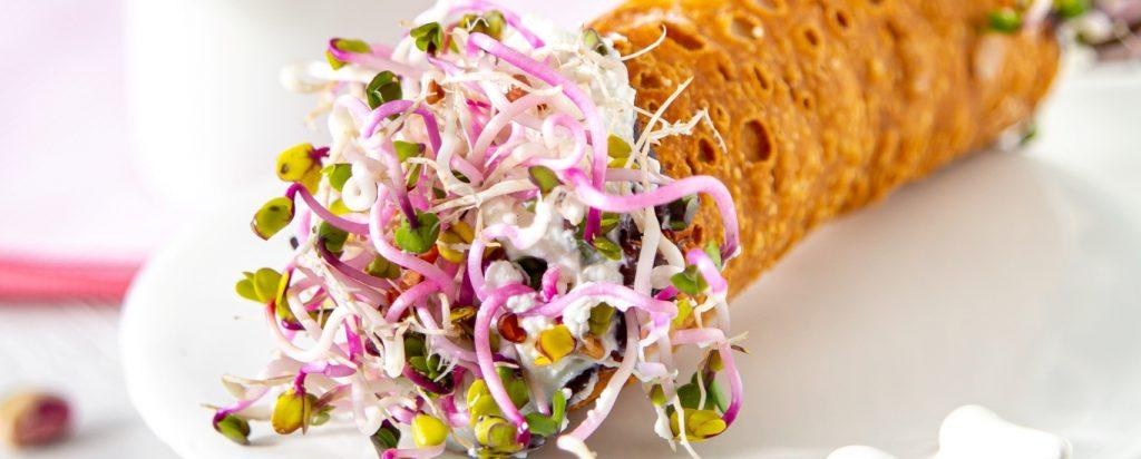 cannolo-salato-germogli-ravanello-3
