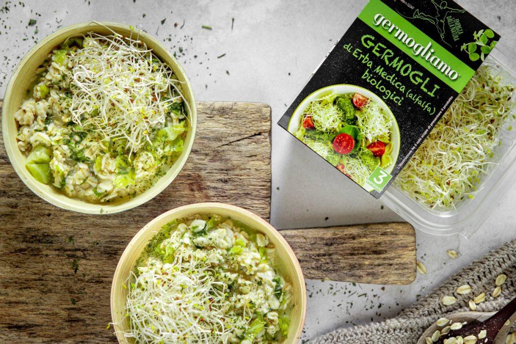 porridge-salato-con-germogli-alfalfa