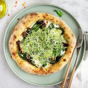 ricetta-pizza-germogli-porro-2